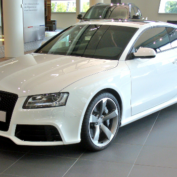 Audi RS5 - Car & Motorcycle